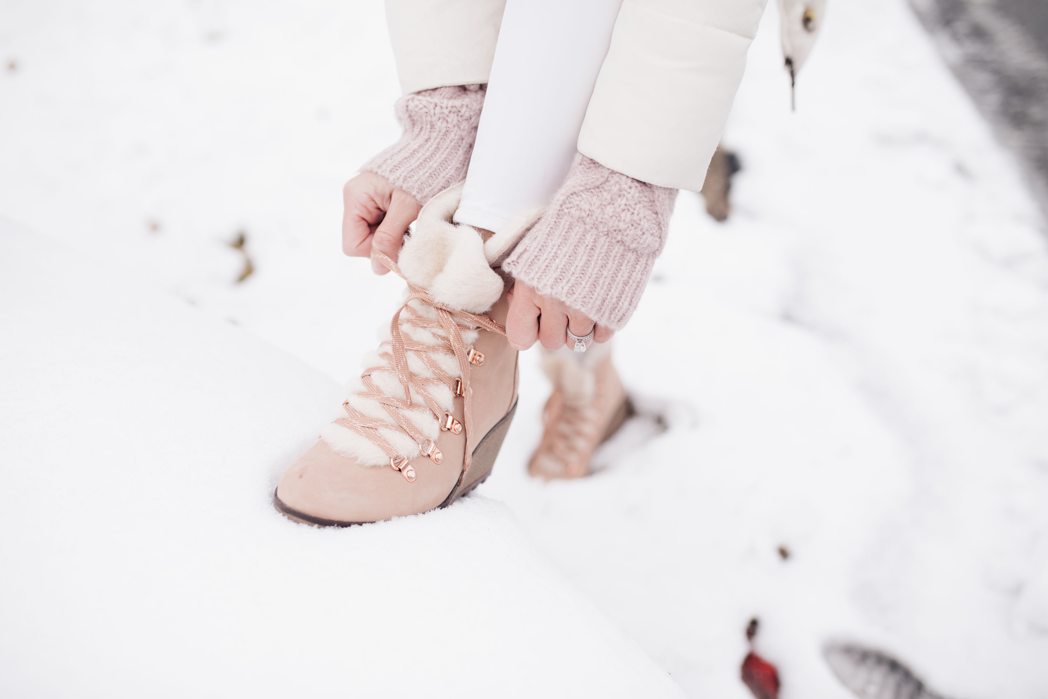 winter white look nordic boots
