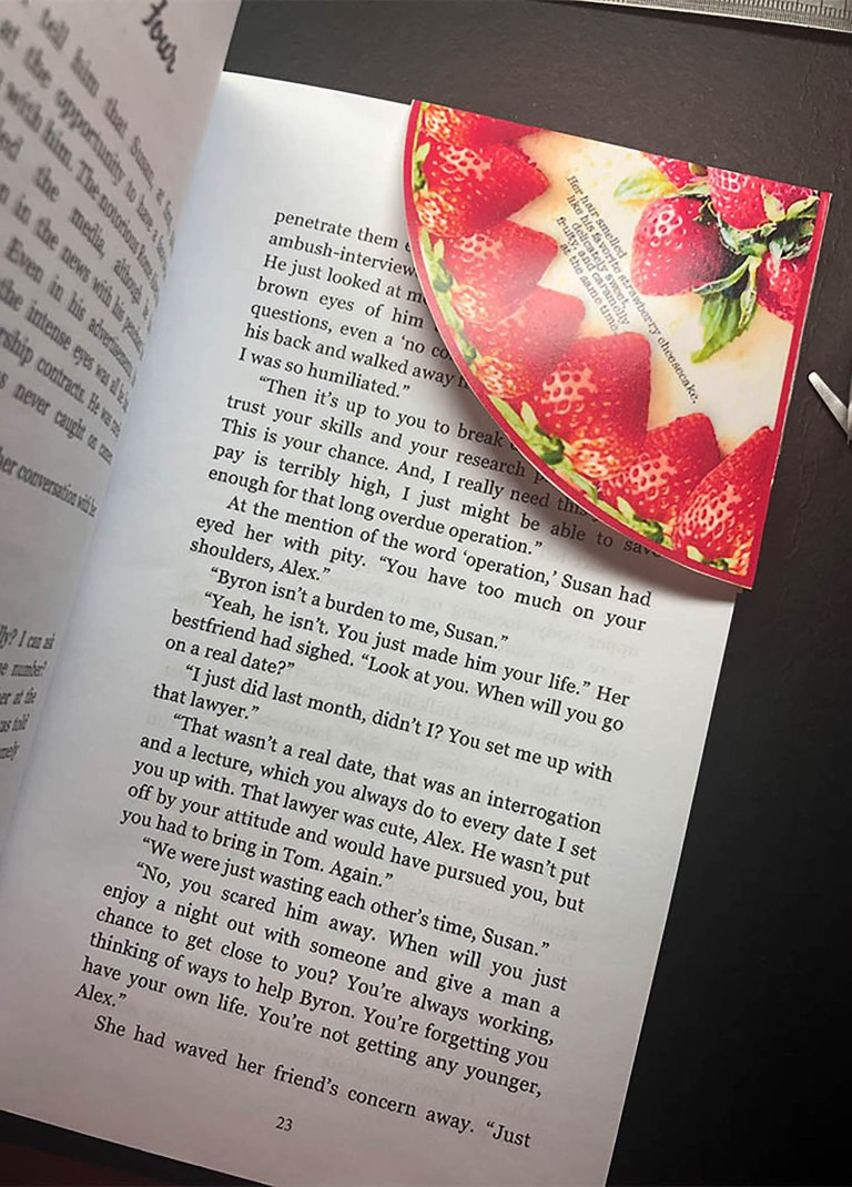 Bookmark Strawberry Cheesecake