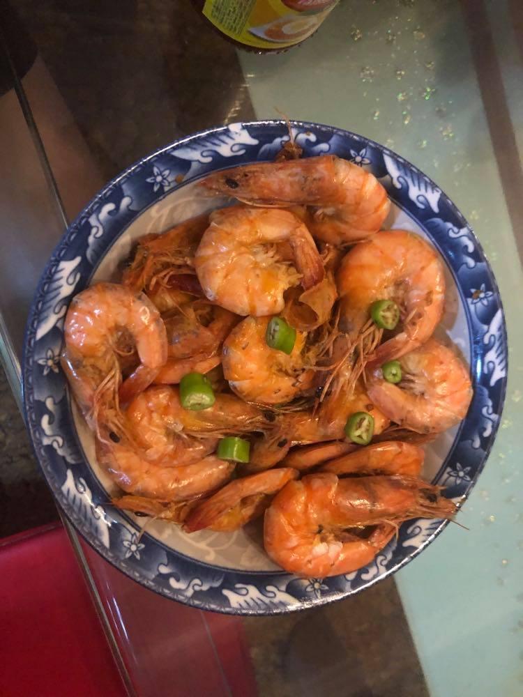 2-ingredient chili garlic shrimp