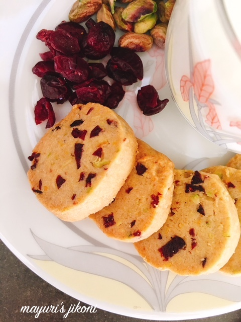 pistachio cranberry cookies 2