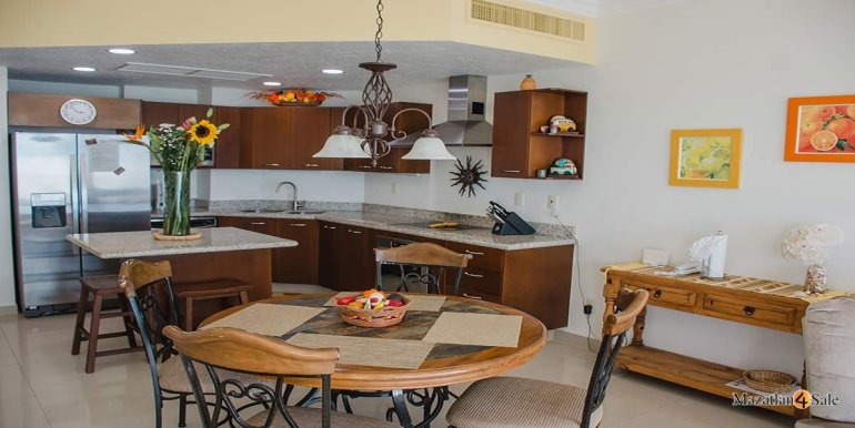 Mazatlan-2 bedrooms in Paraiso-I-Condo-For-Sale-19