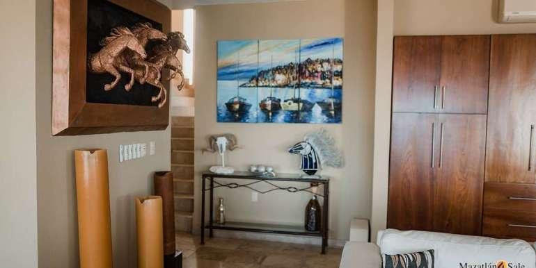 Mazatlan 4 bedrooms in Oceanfront Home For Sale (11)