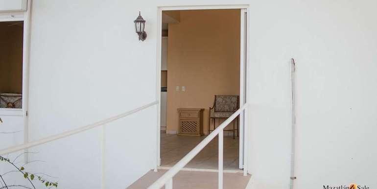 Mazatlan 4 bedrooms in Oceanfront Home For Sale (49)