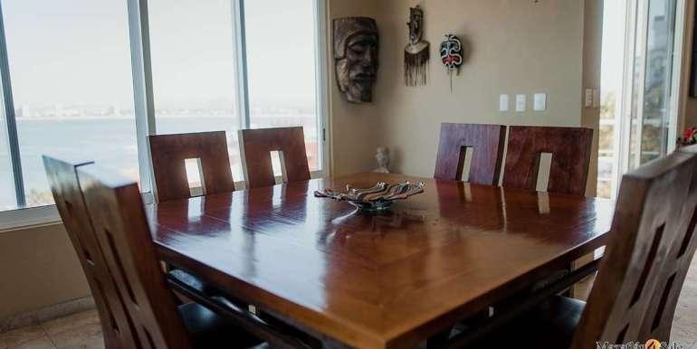 Mazatlan 4 bedrooms in Oceanfront Home For Sale (9)