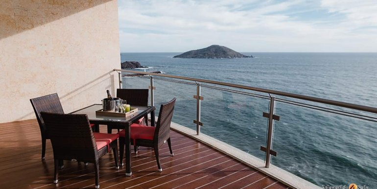 Mazatlan-2 bedrooms in Solaria-Penthouse For Sale-Mazatlan4Sale -19