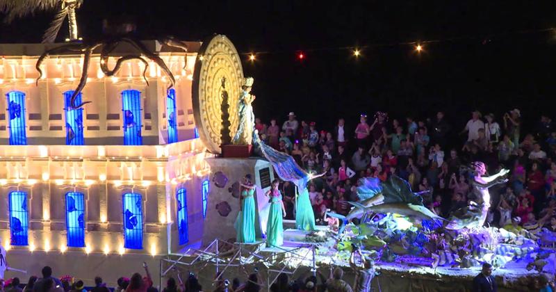 Allegorical car carnival Mazatlan
