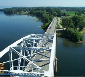 champlain-bridge-view-from-top.jpg