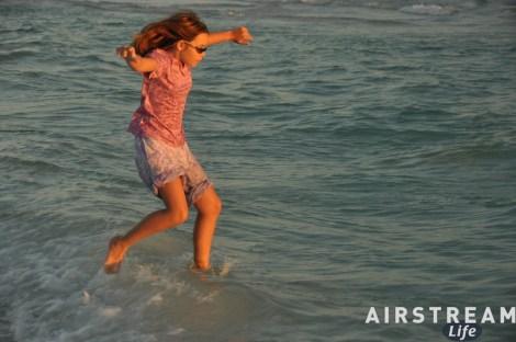 destin-fl-jumping-in-water-2010-11.jpg