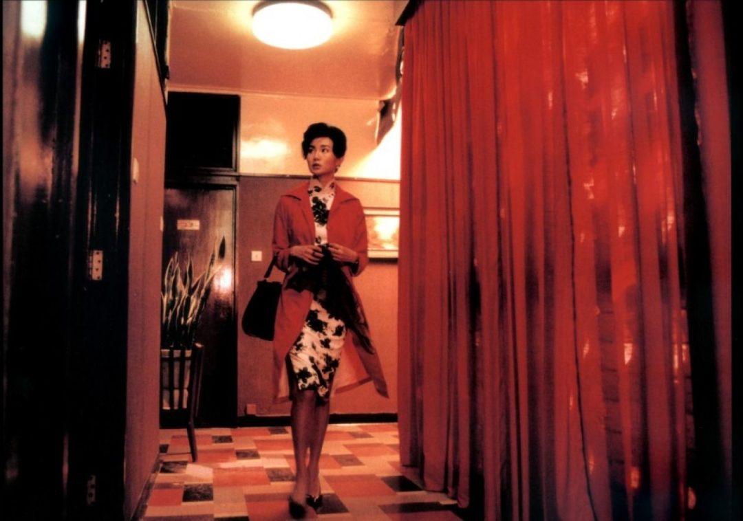In the Mood for Love par Wong Kar Wai  - panorama des qipao de Madame Chan, devenues iconiques