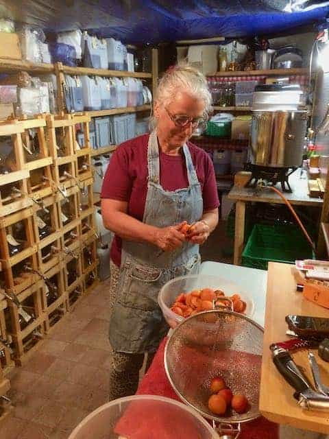 production artisanale confiture abricots du Valais