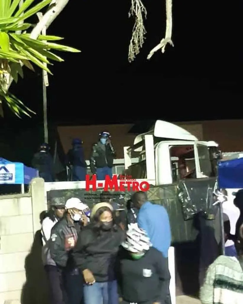 Police disperse mourners at Soul Jah Love funeral
