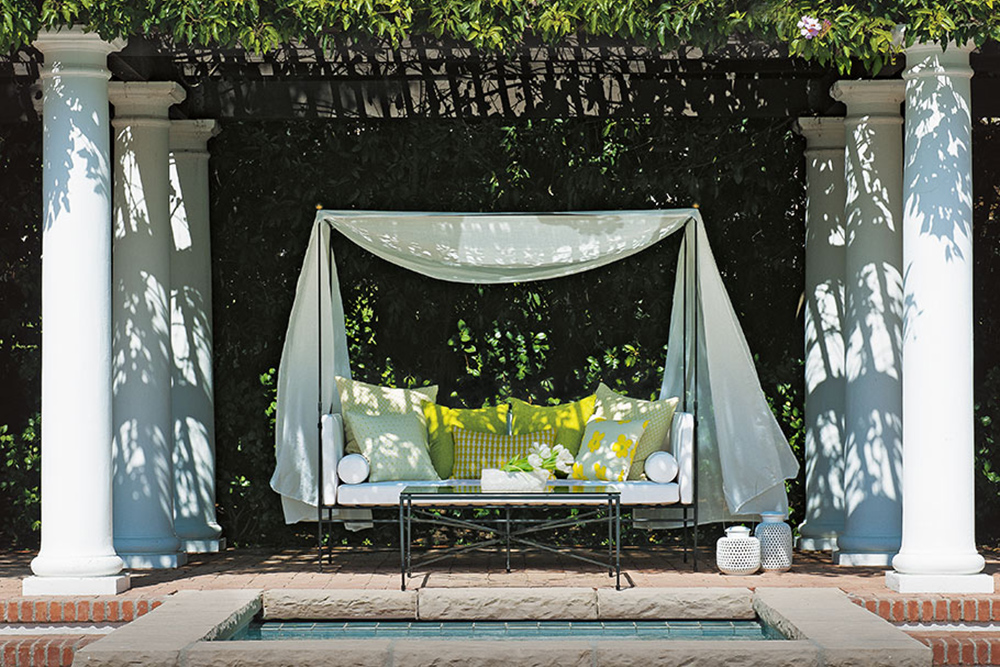 Covered daybed