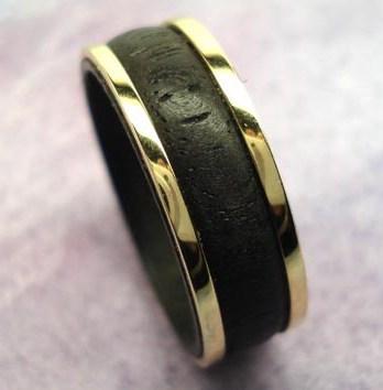 Bague ébène or