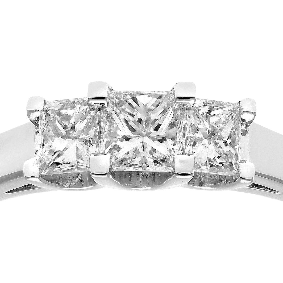 18CT WHITE GOLD 0.75CT DIAMOND PRINCESS CUT 3 STONE RING
