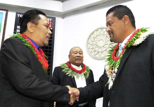 Youngest president takes helm in Marshall Islands in close vote