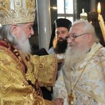 Запознајте го најхуманиот свештеник на Бугарската црква кој се грижи за 240 бездомници