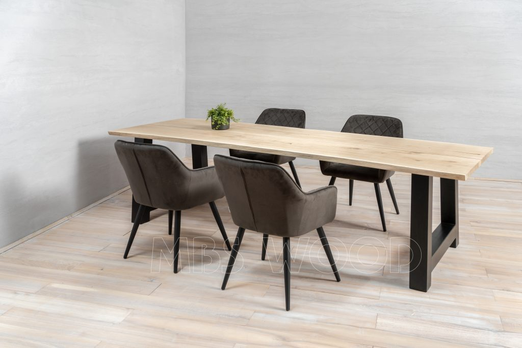 moes dining tables