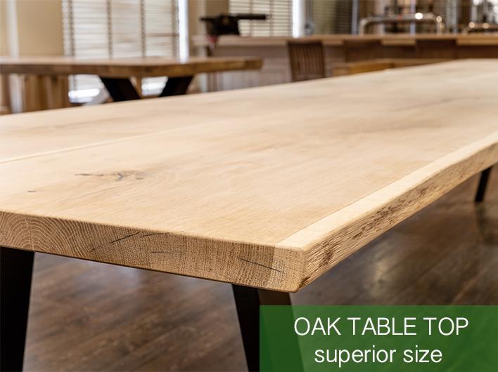 mesa de roble de tamaño superior