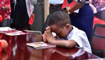 Fresh Kid prays