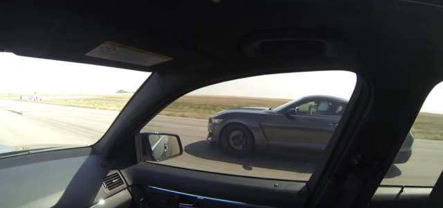 AMG C63 Racing a GT350