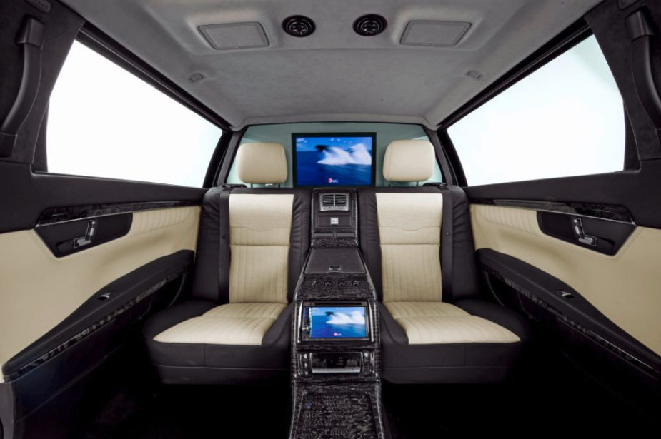 Mercedes-Benz S600 Pullman Guard W221