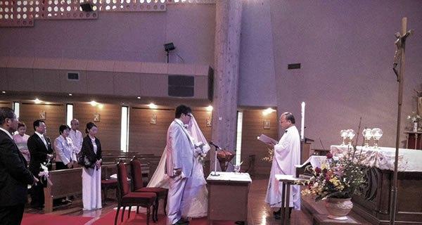 祭壇に立つご両人