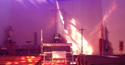 葬儀準備前の祭壇