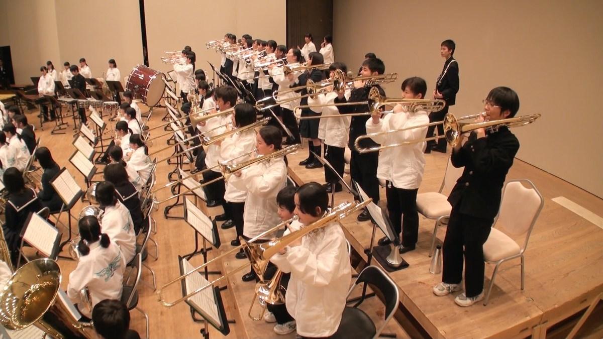 石川県中学校選抜吹奏楽団・函館地区合同演奏「宝島」