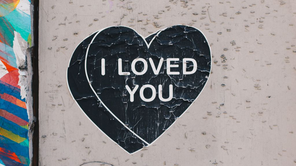 "Heart that says ""I loved you"""