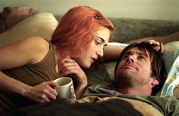 """Kate Winslet and Jim Carrey make great bedfellows in """"Eternal Sunshine of the Spotless Mind."""""""