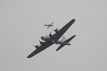 "Boeing B-17G Flying Fortress ""Sally B"" & Republic P-47G Thunderbolt ""Snafu"""