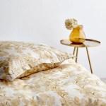 Kob Sodahl Blossom Sengetoj 200x220 Cm Golden Lige Her Laekker Kvalitet Hurtig Fragt