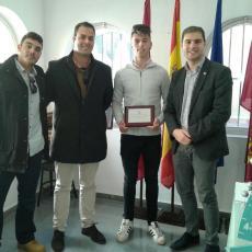 Ricardo Segado felicita al regatista Finn Mulle por su título de campeón de España y destaca el gran momento que vive el deporte náutico en Cartagena