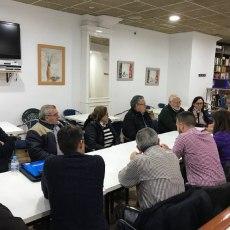 Los vecinos muestran a MC su hartazgo por décadas de abandono de PP y PSOE en materia de salud pública
