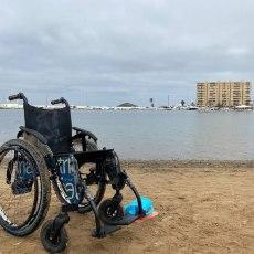 Las playas de Cartagena afrontan su segundo verano sin el servicio de baño asistido