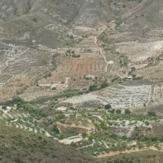 MC exige actuaciones para salvar la Torre del Moro y acondicionar el mirador de Peñas Blancas de Perín