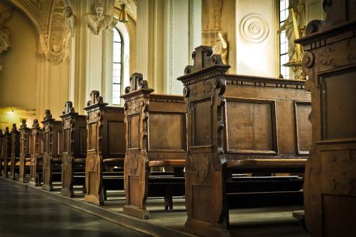 aisle-bench-cathedral-161060