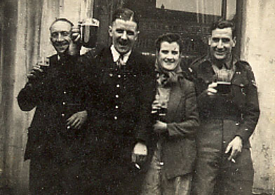 Stan and three unknown friends. I think this is from some years after the period he wrires about here.