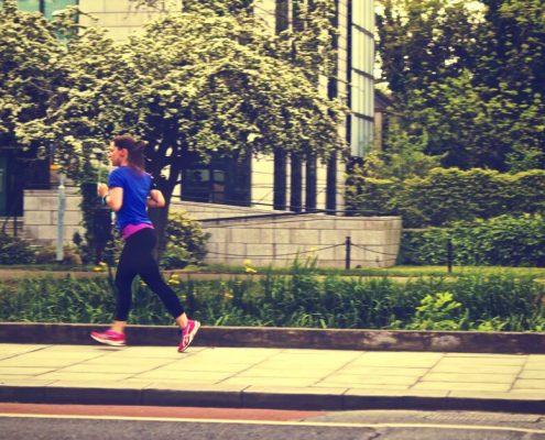 Efekty jakie wywołuje bieganie to m. in. poprawa kondycji