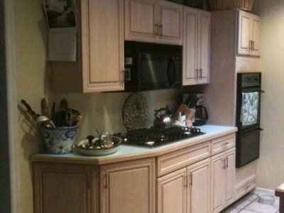 Paint magic in a kitchen! A total transformation with paint!