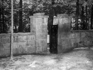 badwell-cemetery-21