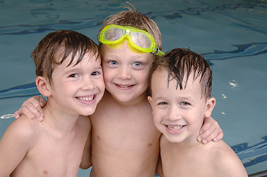 boys_in_pool
