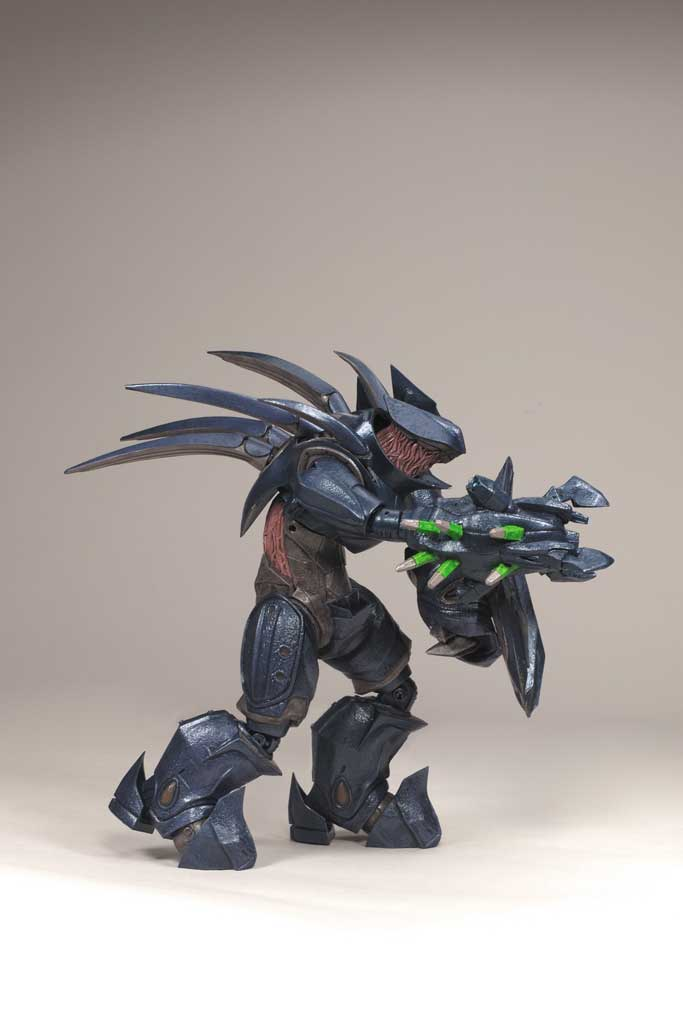 Halo Hunter Deluxe Action Figure