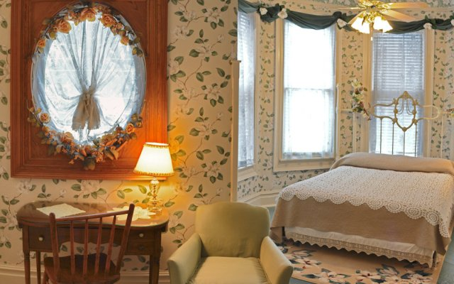 McFarlin House Bed and Breakfast, Quincy FL - King's View