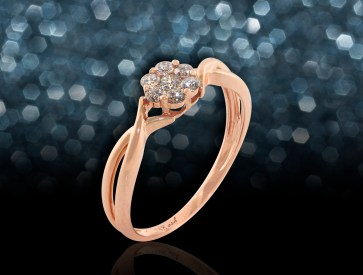 rose gold ring with 7 diamond cluster
