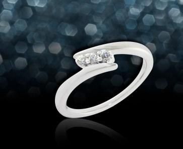 white gold three diamond ring