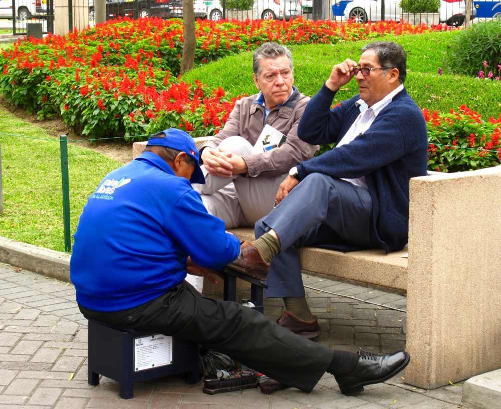 Cireurs de chaussures au Parque Central