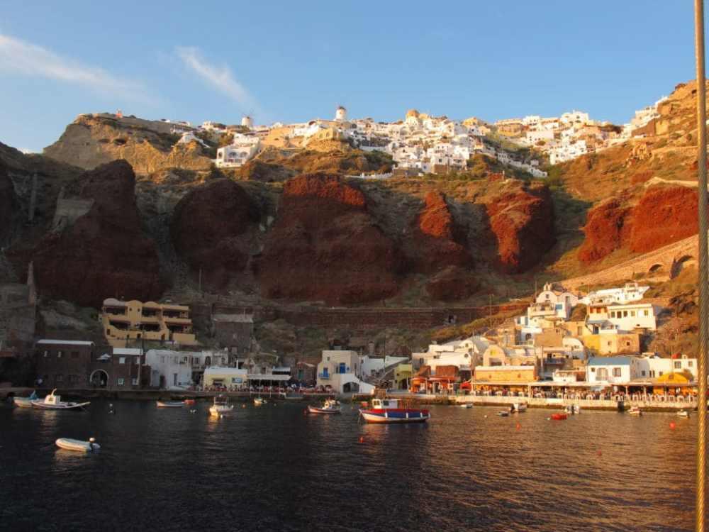 Coucher de soleil sur Oia depuis le bateau Aphroditis