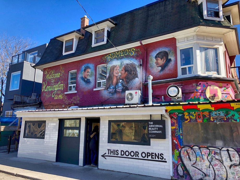 Quartier de Kensington market à Toronto avec son art de rue