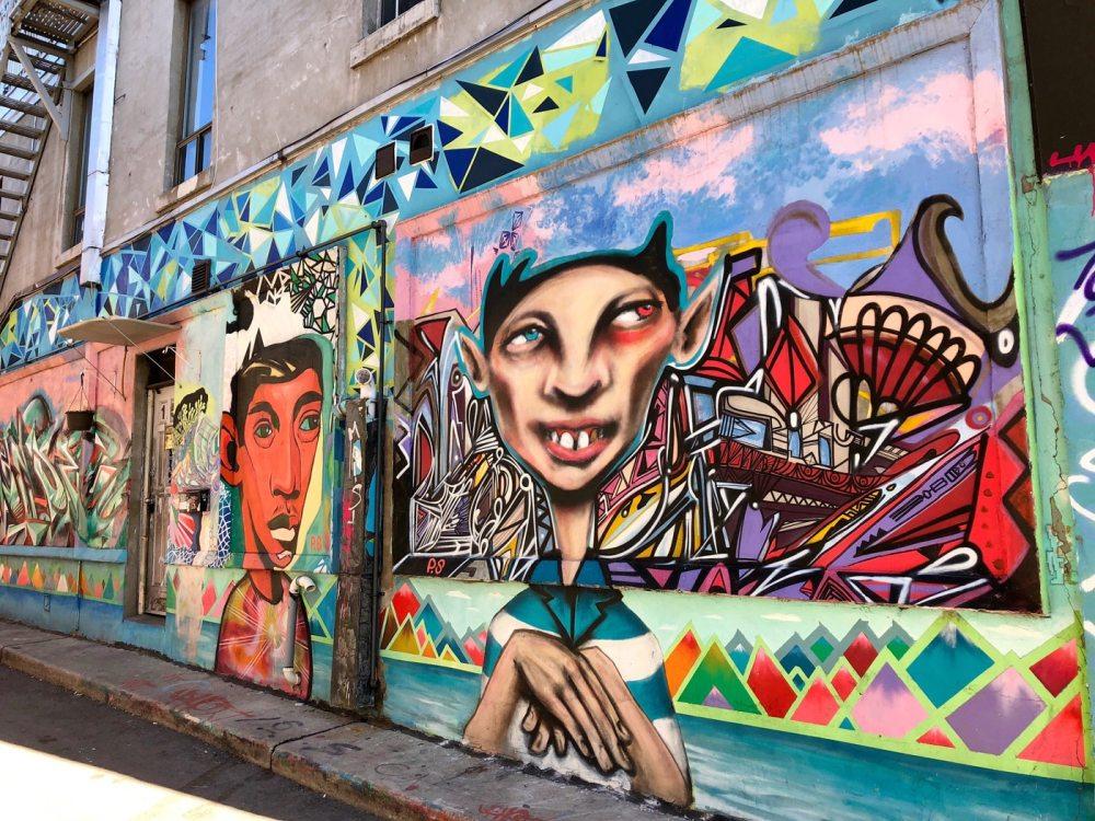 Le Street art du quartier Kensington market de Toronto est très coloré